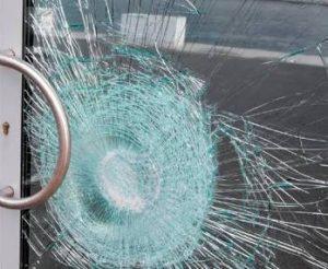 imagen de vidrio laminado cristason